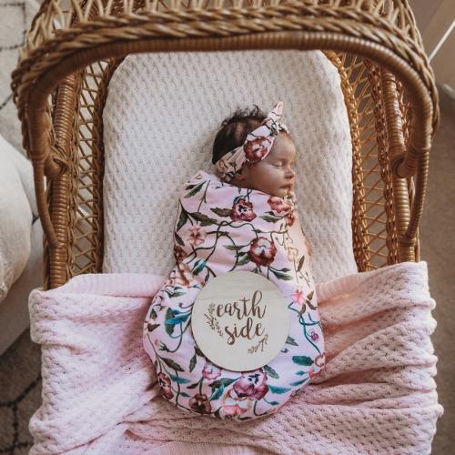 SNUGGLE HUNNY – Pansy Heart Jersey Wrap & Top Knot Set