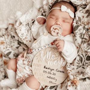 "Hello Fern – Wooden + Acrylic ""Hello World' birth announcement disc"